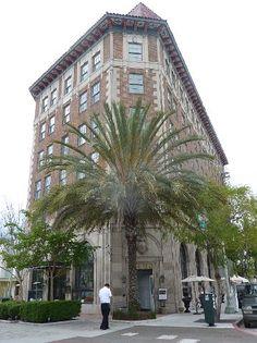 Culver Hotel LA w/ flat iron contour