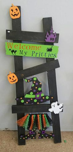 Halloween Interchangeable Ladder KIt only - Decoration Page Halloween Wood Crafts, Theme Halloween, Diy Halloween Decorations, Holidays Halloween, Fall Crafts, Fall Halloween, Holiday Crafts, Holiday Fun, Happy Halloween