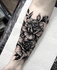 @dmitriy.tkach ____________________ #artist#tattoo#tattoos#tattooed#tattooartist#art#artwork#blackwork#blacktattoo#blackandgrey#rosetattoo#flowertattoo#sleevetattoo#illustration#blackandgreytattoo#lineart#linework#ink#inked#tat#tats#tatuagem#тату#tatuaje#tattoolife#instatattoo#tattooart#tattooist#tattooer#bodyart