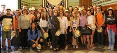 La alcaldesa de Motril recibe en el Ayuntamiento a una veintena de alumnos de intercambio franceses