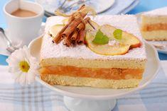 Pillekönnyű pudingos, almás piskóta: a tészta puha, a gyümölcsös töltelék krémes - Recept   Femina Vanilla Cake, Cheesecake, Puddings, Romania, Food, Salads, Cheesecakes, Custard Pudding, Essen