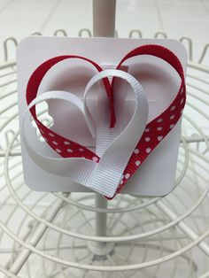 heart hair bow on Etsy- I think this would be precious made small, or make 2 hearts that meet in the back of hair to create the effect shown. Ribbon Hair Bows, Diy Hair Bows, Diy Bow, Bow Hair Clips, Heart Hair, Ribbon Sculpture, Making Hair Bows, Diy Hair Accessories, How To Make Bows
