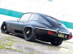 Jag in matte black...