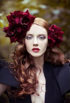 Riflessi rosso rame per capelli lunghi e mossi