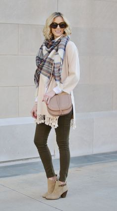3d8bdfcee6f Easy Fall Outfit With Restricted Shoes - Straight A Style