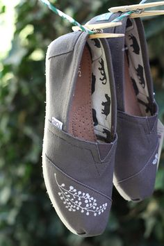 Womens hand painted TOMS...made to order by stinascraftspot
