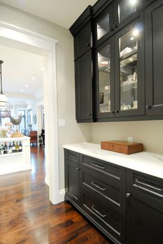 Top Notch Cabinets - Kitchens