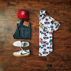 WEBSTA @ thedressedchest - The shirt? Yeah, I got it on sail.#clothesthatihavearrangedneatlyonmylivingroomfloor Shirt: @jcrewmensHat: @ebbetsvintage Shoes: @jcrew × @nike Killshot 2Jeans: @levis