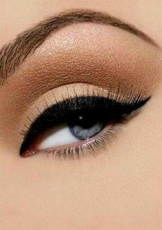 Gorgeous pin up makeup