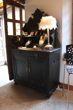 Buffet Saint Hubert patiné noir : Meubles et rangements par atelier-pigments-decors