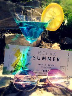 Der Sommer ist nicht mehr weit. Unsere Sommereintrittskarte für eure Party, jetzt bei uns erhältlich. Alcoholic Drinks, Cocktails, Ticket, Ads, Creative, Summer, Craft Cocktails, Summer Time, Liquor Drinks