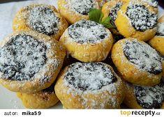 Mrkvové minikoláčky s povidly recept - TopRecepty.cz Waffle Iron, Sweet Desserts, Healthy Baking, Tart, Waffles, Sweet Tooth, Cheesecake, Food And Drink, Yummy Food