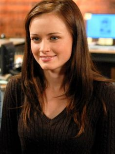 A little longer than I'm going for now, but this is exactly what I was looking for last time.  :/  | Rory Gilmore Hair