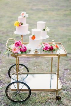 Bar Cart with Wedding Cakes Topped with Fresh Flowers | Exquisitrie by Kelly Sauer Photography | Modern Gold Glitter Wedding Ideas