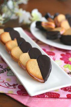 Low Carb Gluten-Free Strawberry Cream Sandwich Cookies
