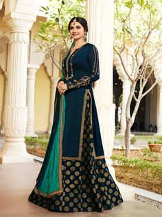 Saree Online: Shop Latest Indian Sarees (Saris) designs for Women USA Latest Indian Saree, Indian Sarees Online, Covet Fashion, Indian Dresses, Indian Outfits, Indian Clothes, Designer Anarkali, Elegant Saree, Casual Saree