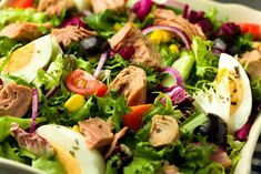 Salată cu ton și ouă fierte - rețetă simplă și gustoasă Vegan Recipes, Cooking Recipes, Vegan Food, Healthy Food, Cobb Salad, Potato Salad, Ethnic Recipes, Tomatoes, Health Foods