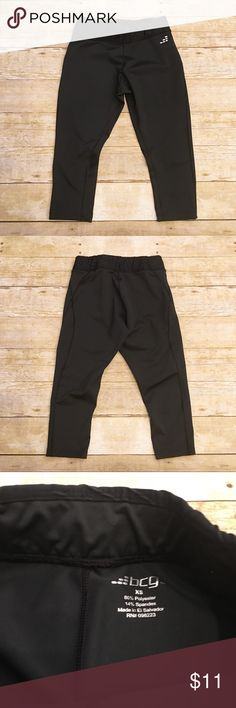 🍷BCG black workout capris, XS Very good condition bcg workout capris in a size XS. Very comfortable and soft! No piling or anything major wrong with them, just a few loose threads as shown in the photos. bcg Pants Capris