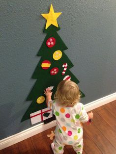 Felt Christmas Tree Holiday gift for toddlers Kids Felt Christmas Tree Creative Play Felt Board Christmas Decor Montessori Activity by jamielizabethart on Etsy Christmas Baby, All Things Christmas, Winter Christmas, Christmas Holidays, Christmas Tree On Wall, Elegant Christmas, Diy Christmas Gifts For Family, Christmas Ideas, Creative Christmas Trees