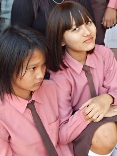 This site is about Nuchhungi English Medium School, Hnahthial town in Mizoram, India, and the educational system connected with the institution and the locality.