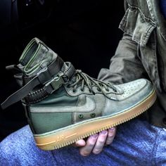 Special Field Air Force One #WarReady : Sneakers