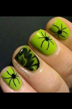 Halloween Spiders Fingernails ~ would look cool in purple or orange too.