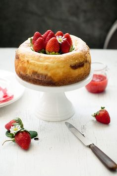 Delicious Bites: European style Strawberry Swirl Cheesecake RECIPE today on Low Fat Cheesecake, Strawberry Swirl Cheesecake, Cheesecake Recipes, Dessert Recipes, Cookie Desserts, Healthy Desserts, Just Desserts, Delicious Desserts, Yummy Food