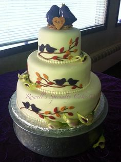 Rowell's Specialty Cakes, Fall wedding cakes, birds and leaves on wedding cakes, purple wedding cakes