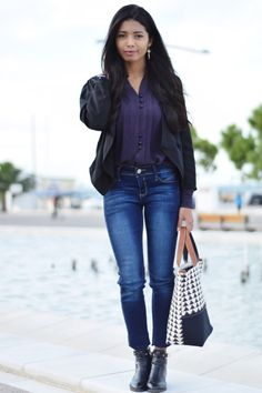 K MEETS STYLE- Greek based style blogger: FITTED JEANS AND VINTAGE PURPLE SHIRT