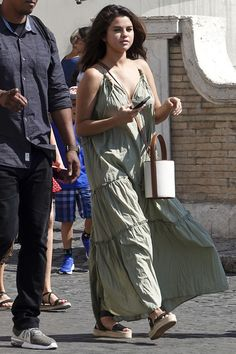 Selena Gomez celebrates her birthday in Italy with film producer Andrea Iervolino Black Espadrille Sandals, Selena Gomez Outfits, 27th Birthday, Happy Birthday, Roman Holiday, Poses For Photos, Birthday Dresses, Celebs, Celebrities