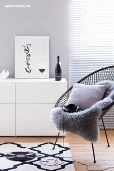 Deko für den kleinen Balkon: Graue Pflanzkübel & Frischer Anstrich
