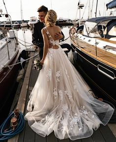 Wonderful Perfect Wedding Dress For The Bride Ideas. Ineffable Perfect Wedding Dress For The Bride Ideas. Wedding Dress Trends, Dream Wedding Dresses, Bridal Dresses, Backless Wedding Dresses, Beach Wedding Gowns, Floral Wedding Dresses, Wedding Dress Tulle, Rustic Wedding Dresses, Wedding Ceremony