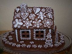 perníková chaloupka - Gingerbread house Gingerbread, Decorative Boxes, Spices, Cake, Desserts, Christmas, Winter Ideas, Food, House