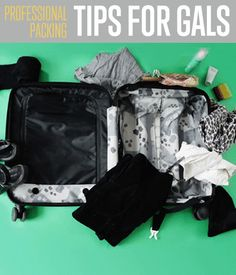 Travel packing tips for women. A simple guide on how to pack no matter what kind of travel. Learn how to pack for an overnight, weekend and one week trip.