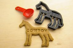 Hey, I found this really awesome Etsy listing at https://www.etsy.com/listing/167711742/horse-cookie-cutter-custom-treat