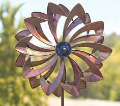 Plow & Hearth Wind Spinner with Solar LED Lights