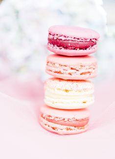 macarons Krispie Treats, Rice Krispies, Macarons, Coffee Cake, Desserts, Food, Tinkerbell, Sweets, Tailgate Desserts