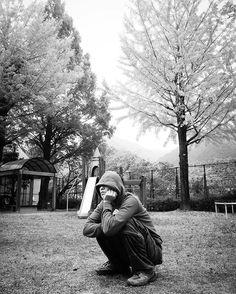 ∩︎(*´`∩︎)♡︎ ・ ・ ・ 色付く 銀杏 あえて 色を消してみる まーくん カッコ良いバージョン😳💕 ・ ・ お天気下り坂 紅葉 散らないで〜🍁 ・ ・ #私の精神世界#大好きな世界観M #art_of_japan_ #as_archive #bestjapanpics #good_portraits_world #indies_joint_gpw #indies_gram #ig_japan #igersjp #icu_japan #loves_nippon #lovers_nippon #pics_jp #ptk_japan #phos_japan #screen_archive #team_jp_ #whim_life #wp_japan #wu_japan #東京カメラ部 #キタムラ写真投稿 #まーくんとデート#湯山公園