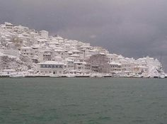 """""""Life in snowed in village"""" – Report & pictures from Skopelos"""