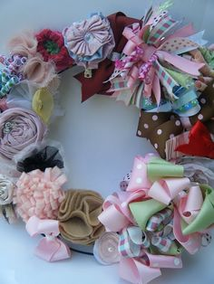 Hairbow Wreath.....Now I know what to do w/ all of Alyssa's bow's she wont wear any more!!!