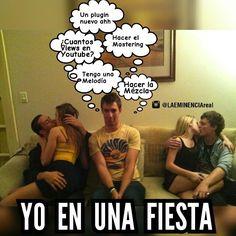 (Sigueme en Instagram/LAEMINENCIAreal Yo en una fiesta #LaEminenciaLOL (etiqueta a un pana producer asi) #tw #fb