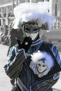 A flashback to last February's carnival in Venice, Italy. Venetian Carnival Masks, Carnival Of Venice, Venetian Masquerade, Masquerade Masks, Mardi Gras, Costume Venitien, Venice Mask, Hidden Face, Beautiful Mask