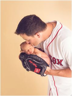 Newborn portrait with MLB player Steven Wright and his son in baseball glove MLB theme Photo by M Newborn portrait with MLB player Steven Wright and his son in baseball glove MLB theme Photo by M Massart nbsp hellip Newborn Baseball Pictures, Baby Boy Baseball, Newborn Pictures, Newborn Pics, Newborn Session, Baseball Girlfriend, Baseball Tips, Baseball Quotes, Newborn Photography Studio