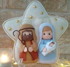 Christmas Nativity Scene, Felt Christmas Ornaments, Christmas Wood, Christmas Projects, Christmas Time, Felt Crafts, Holiday Crafts, Diy And Crafts, Felt Decorations