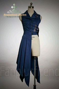 Steampunk coat, could be awesome to use for a Ciel Phantomhive cosplay. Steampunk version that is Costume Steampunk, Steampunk Coat, Fantasy Costumes, Cosplay Costumes, Pirate Costumes, Halloween Costumes, Mode Outfits, Fashion Outfits, Gothic Fashion