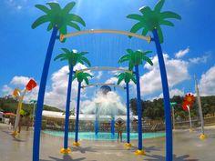 O turismo programado, com uma hospedagem de qualidade, padronizada e acessível, está em forte crescimento no mundo. Magic City, em Suzano (SP) Assessoria de Imprensa Bendita Imagem. Magic City, Outdoor Decor, Water Playground, Investing, Cities, Strong, Brazil, Tourism