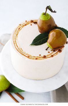 Sep 2019 - Salted Caramel Pear Cake - fresh pear cake with cinnamon buttercream, salted caramel and homemade caramel dipped pears. Caramel Pears, Caramel Dip, Fall Cake Recipes, Dessert Recipes, Pear Recipes, Thanksgiving Cakes, Bolo Cake, Pear Cake, Fall Cakes