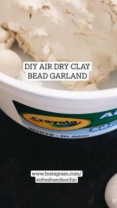 Crayola Air Dry Clay, Diy Air Dry Clay, Diy Christmas Ornaments, Diy Christmas Gifts, Diy Home Crafts, Clay Crafts, Metal Straws, Beaded Garland, Clay Beads