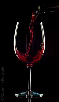 Food and drink images – QDFB Wine being poured, dark background for atmosphere, wine caught by the light flames dark red. Wine Wallpaper, Black Paper Drawing, Pouring Wine, Glass Photography, Wine Painting, Wine Art, Foto Art, Wine Time, Dark Backgrounds