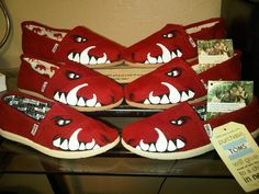 Go HOGS!!  The website sells them for great prices!!!!  www.joncotroneoart.com